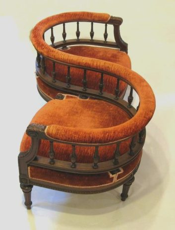 Conversation_Seat_as314a024b
